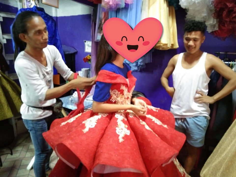 free gown for poor student