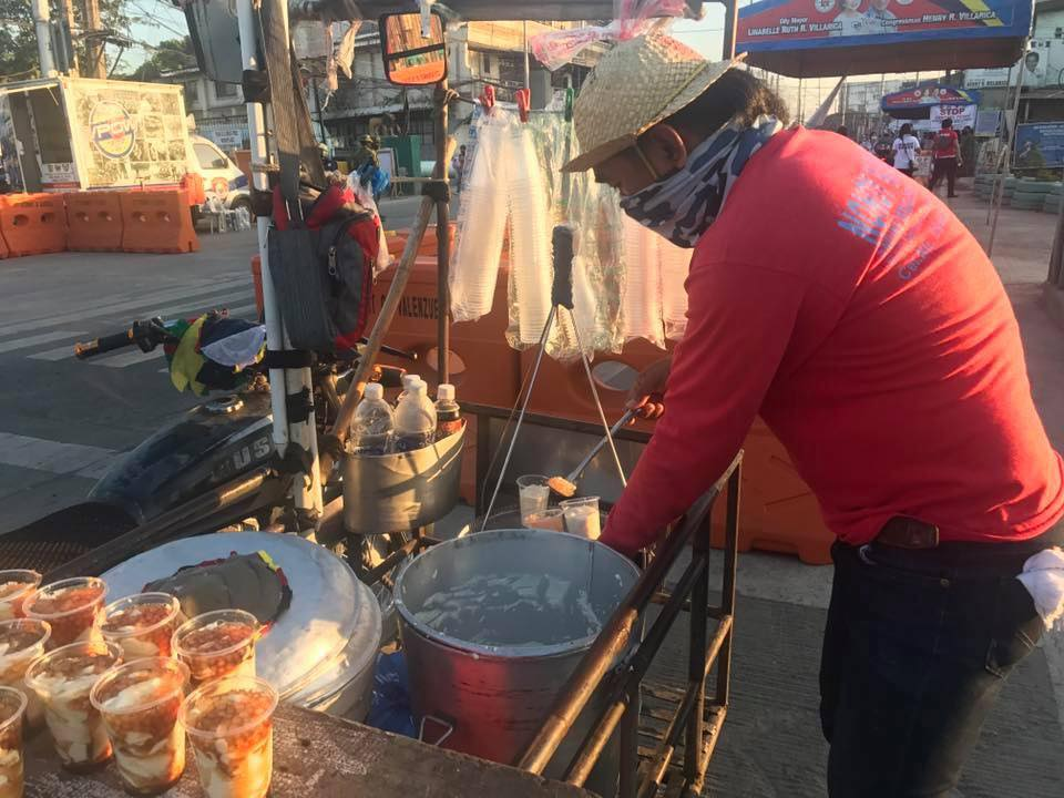 vendor gives free taho