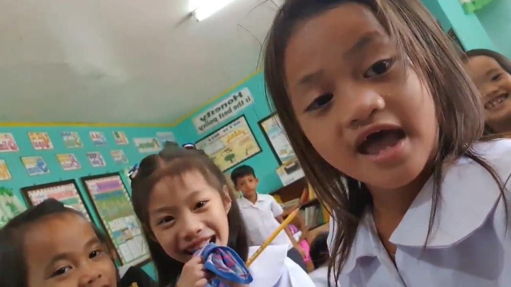Little Vlogger Goes Viral