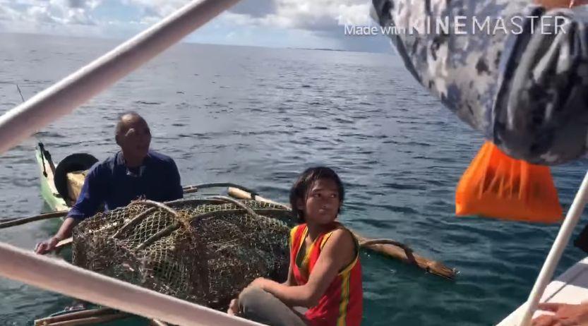 Coast guard catch people fishing