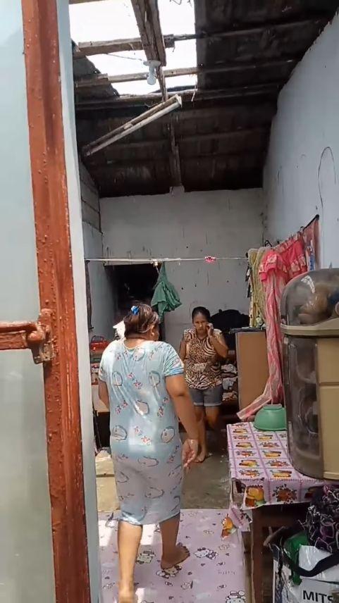 landlady removes roof